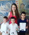 Спорт, каратэ, занятия для детей 4-5 лет